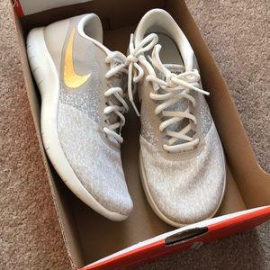 Nike Flex Contact 8.5